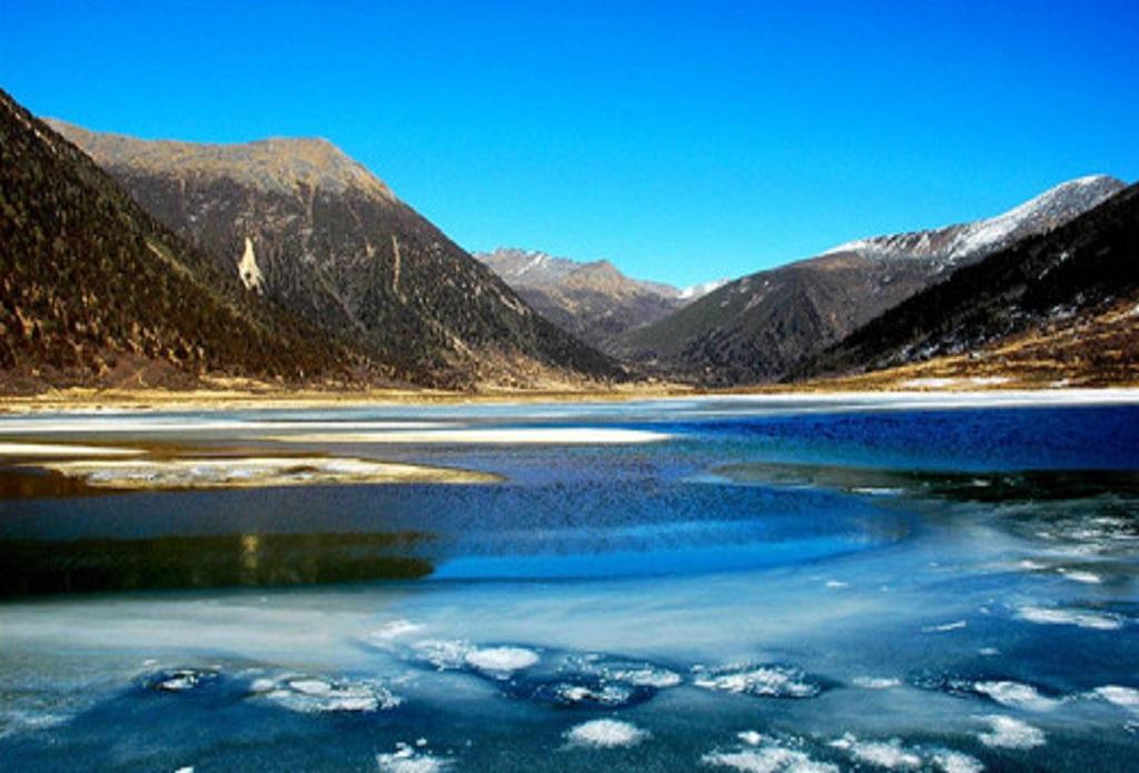 青海湖 茶卡盐湖-拉萨-日喀则8日游 神圣的西藏净化之旅